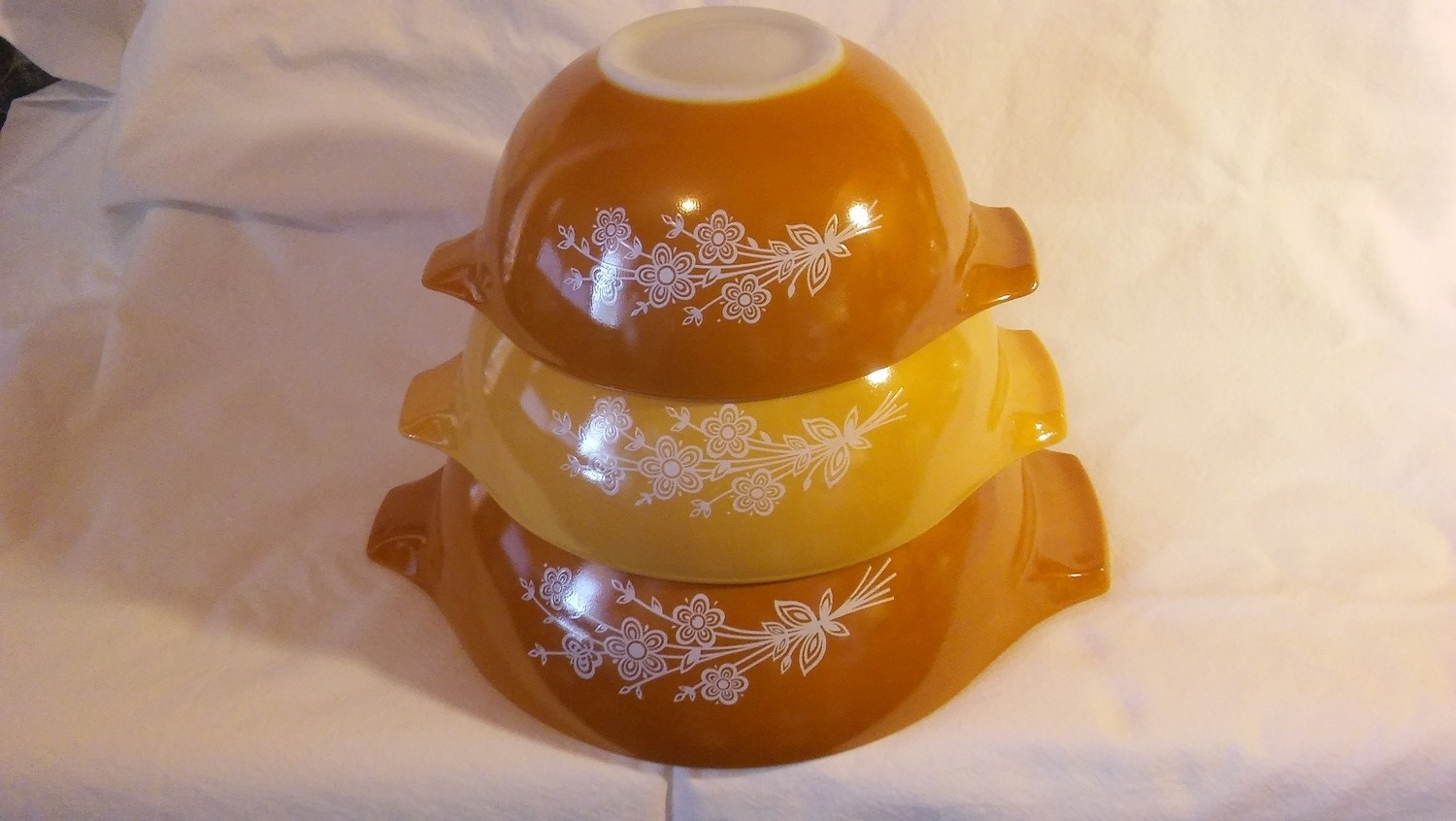 Vintage Pyrex Nesting Mixing Bowls, 442, 443, 444,  Butterfly Gold - 2 Pattern