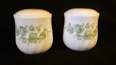 Corelle by Corning, Salt & Pepper Shaker Set, Callaway Green Ivy Pattern