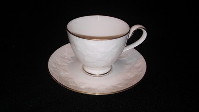Noritake Ivory China Footed Cup & Saucer Halls Of Ivy #7341