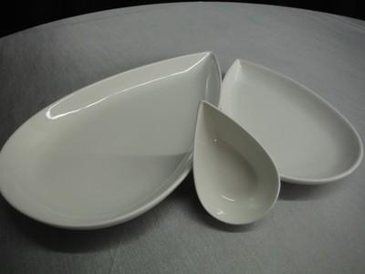 Petal Plate 11.7 inch