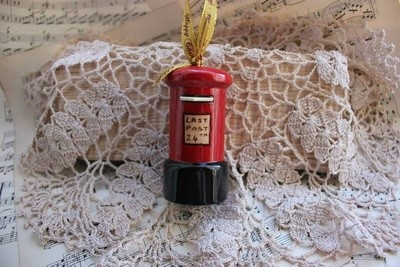 Traditional Postbox Christmas Tree decoration