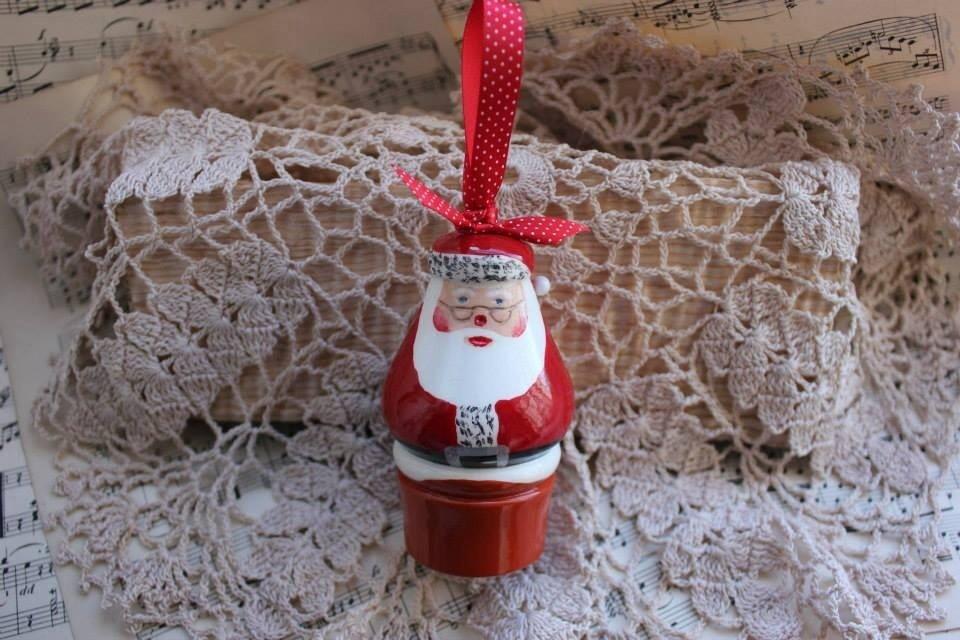 Santa stuck up the Chimney Christmas Decoration