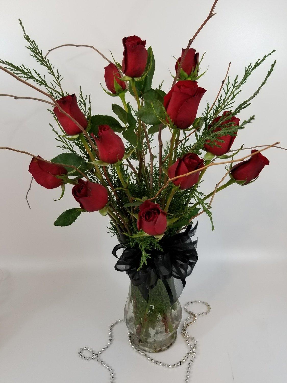 Floral: Dozen Red Roses