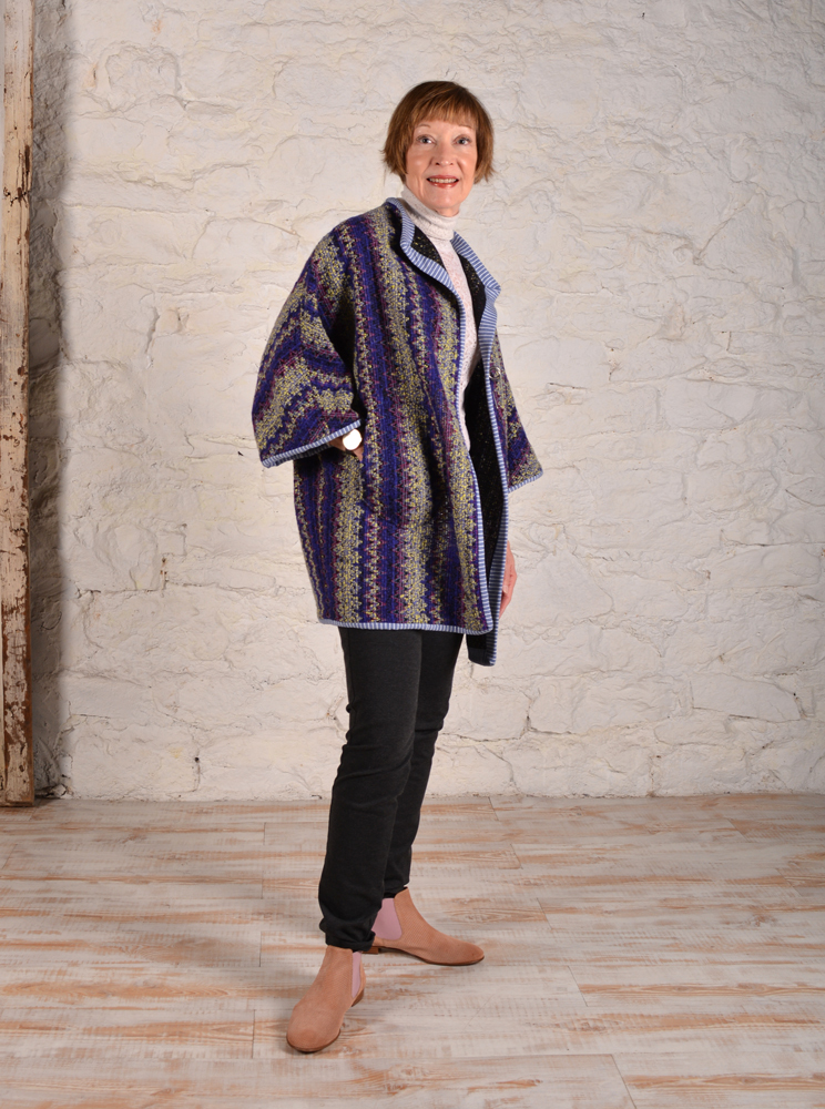 Chateau coat made in wool stripe fabric with knit binding