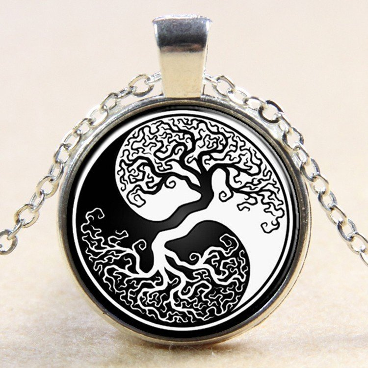 """27mm Tree of Life Yin Yang Necklace  silver colour 18"""" Chain"""