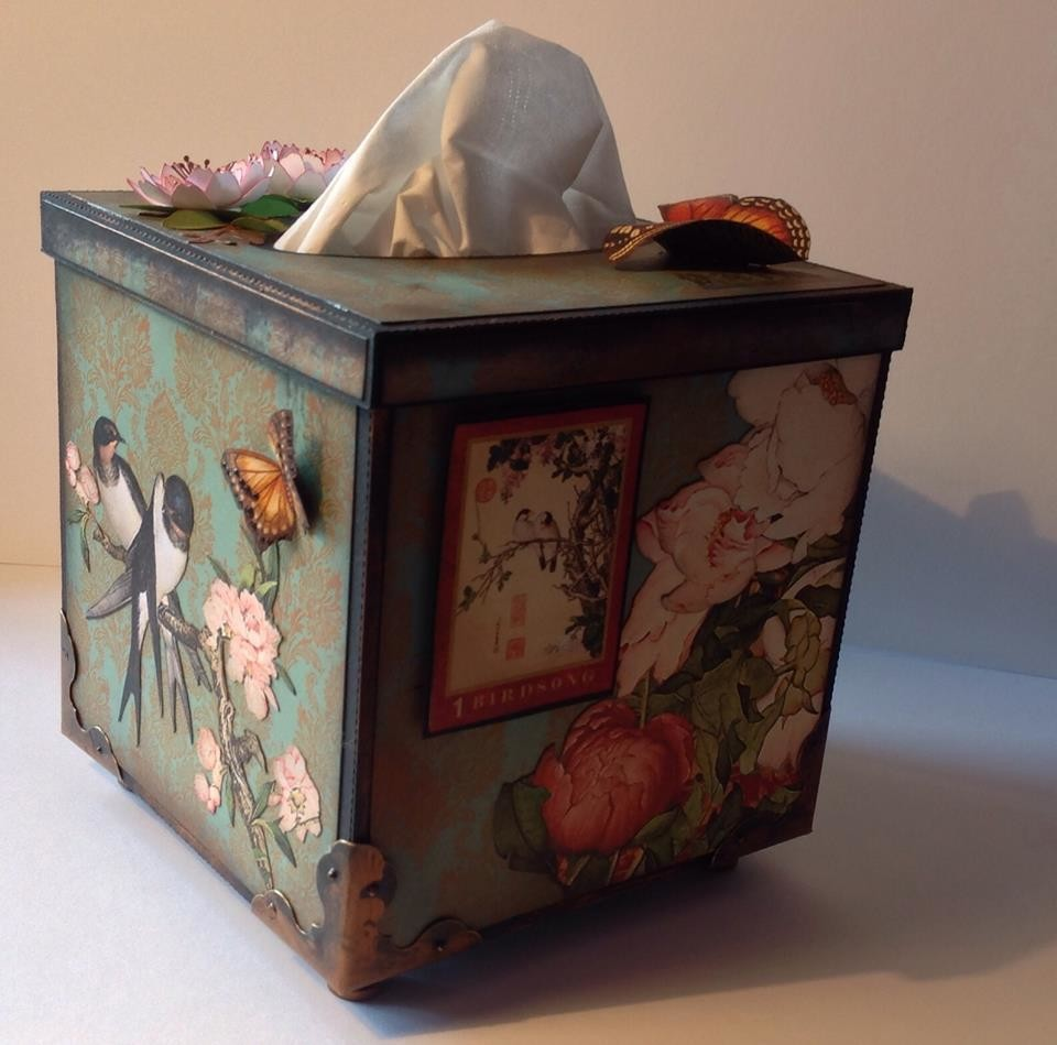 Tissue Box Cover 5x5x5 with removable lid.