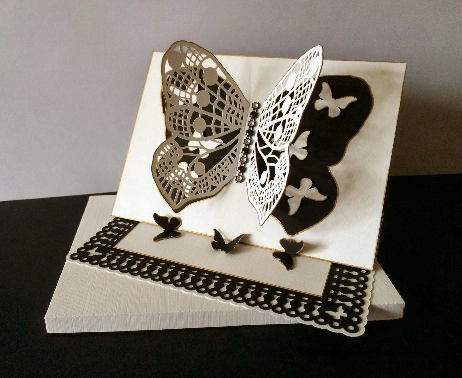 Butterfly Easel with BOX