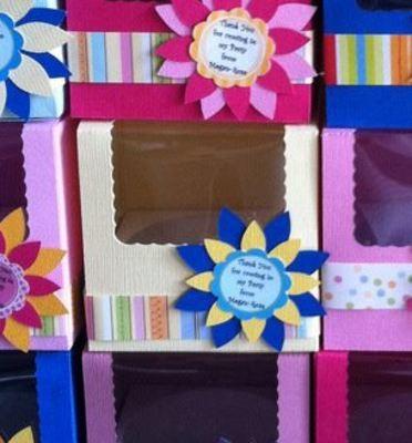 Cupcake Box  LARGE approx 3.5