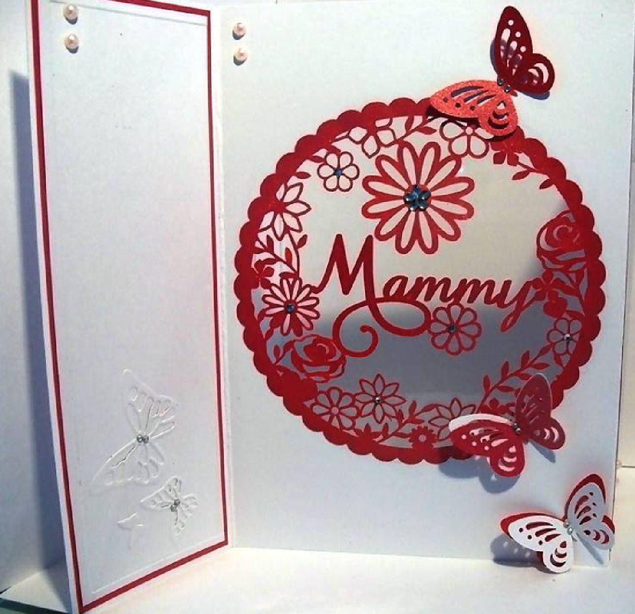 Mammy  decorative round frame ideal for Mother's Day.