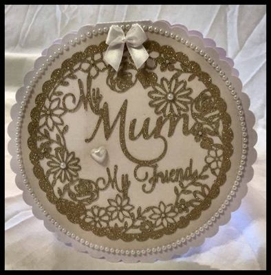 Mum My Friend - round decorative frame ideal for Mother's Day.