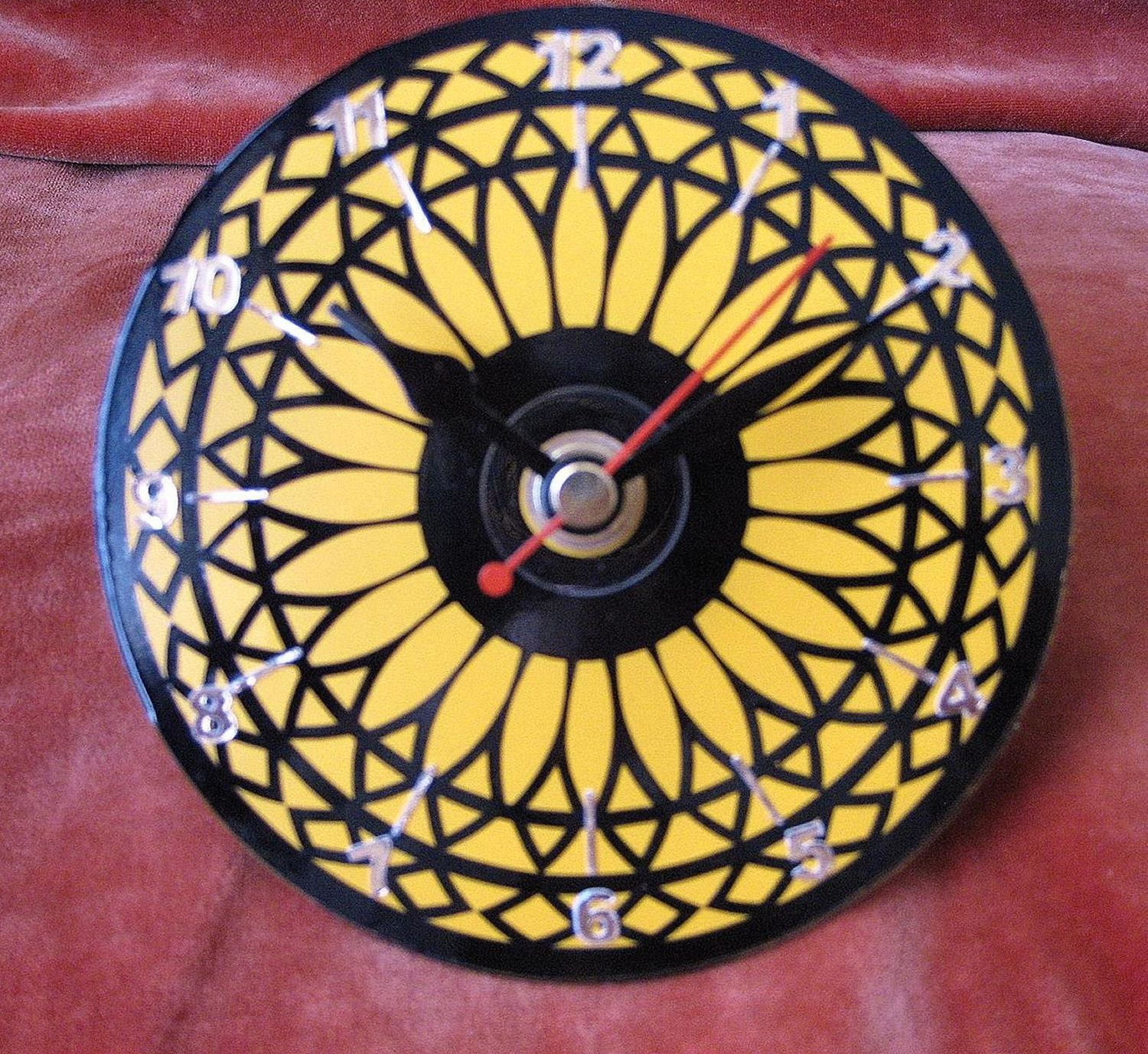 Sunflower Clock Face for CD's / 45's / LP's and 78's