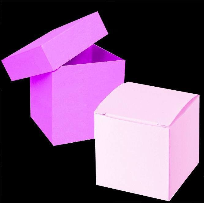 Two square boxes one with separate lid and one with fixed lid