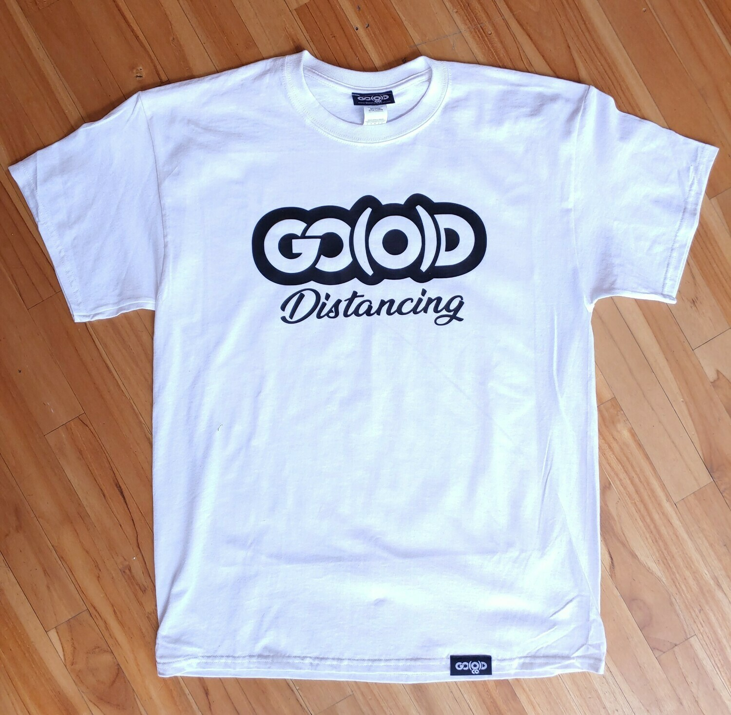 GO(O)D Distancing tee-white/black