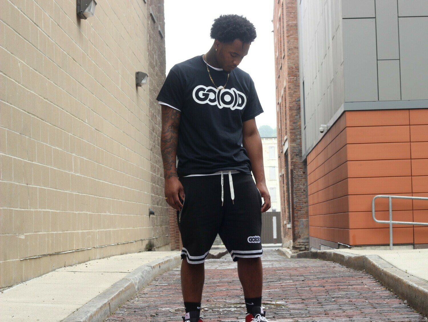 GO(O)D Wave Shorts-black/white/silver (runs about 1 size small)