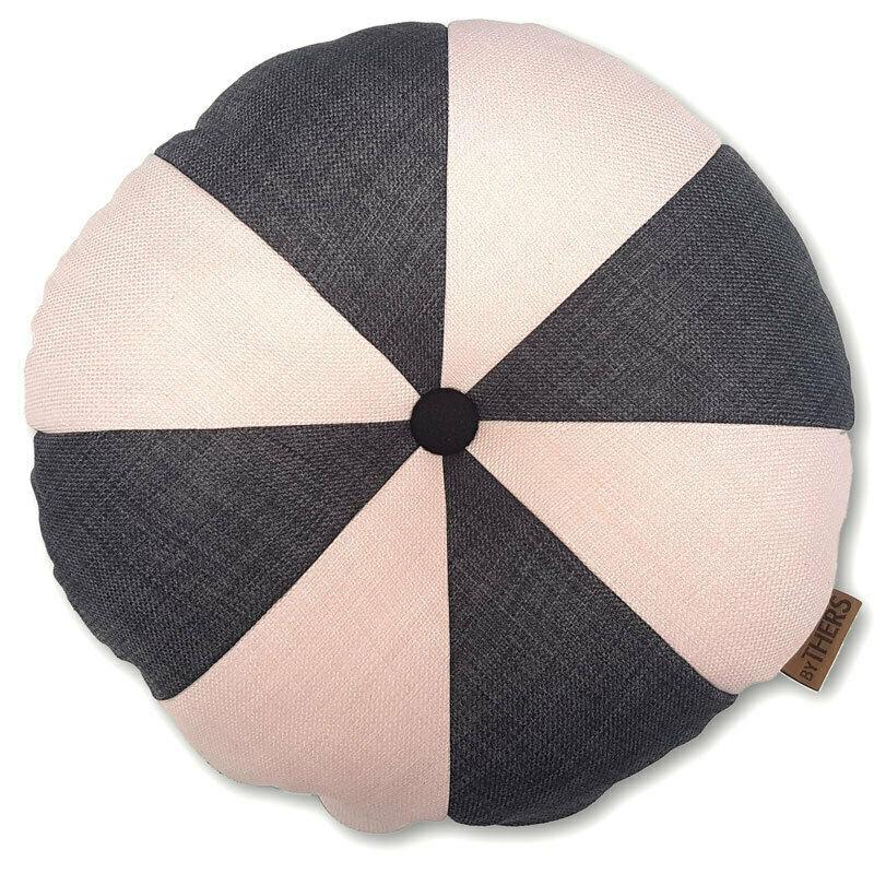 Rund pude med knap, grå/sart rosa - LAGERSALG
