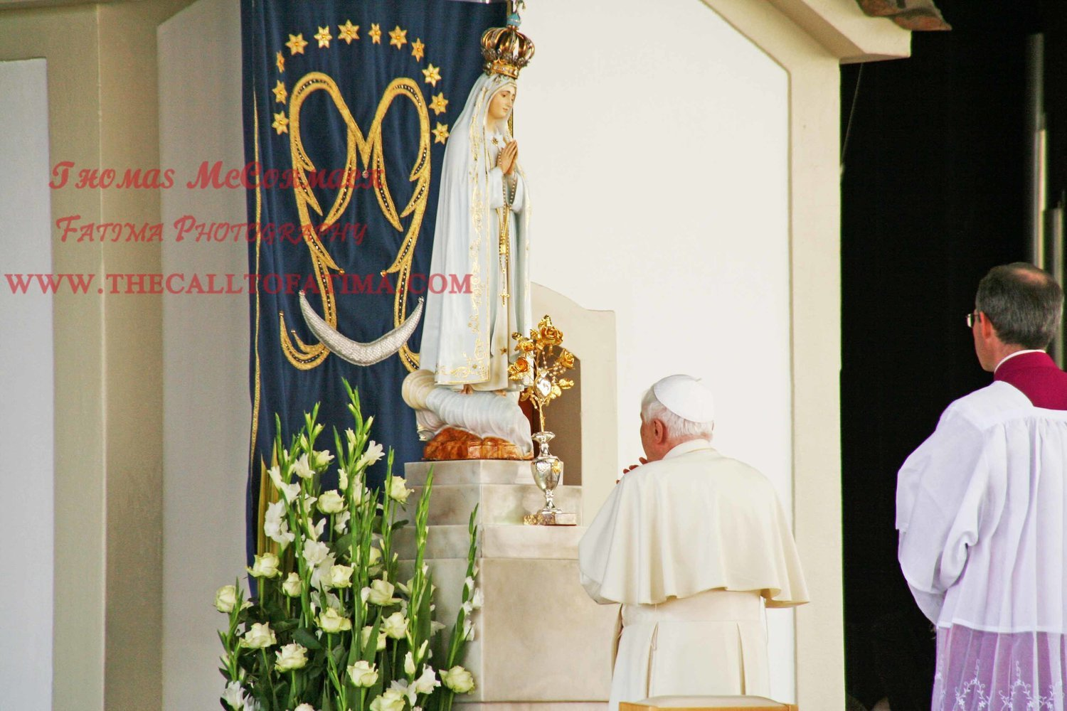 Pope Benedict XVI prays at the Chapel of Our Lady in Fatima Photograph A4 print