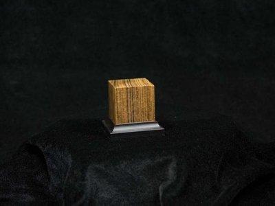Noble Wood Ovangkol, 40x40x50mm - Sockel - Andrea