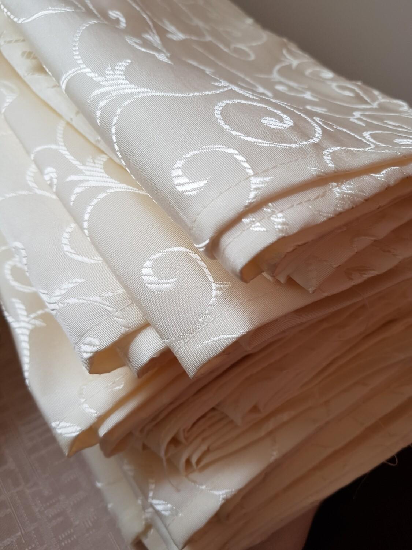 Servet brocart ivory galbui 30x30 cm