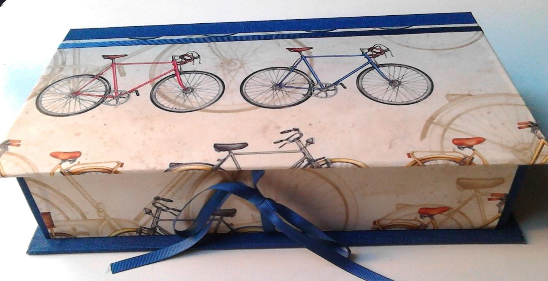 Caja Bicicletas + 2 botellas 250 ml AOVE Ecológico