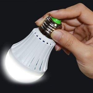 Ampoule Rechargeable 6 Hrs de Luminosite 9 Watts