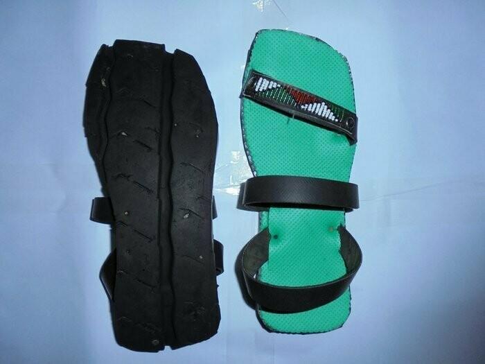 Green Masai beaded tire sandal(U.S SIZE 8.5 UNISEX)