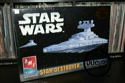 Star Wars - AMT ERTL - Model Kit - Star Destroyer with collectible movie print (Sealed)