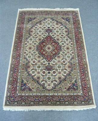 Indian Chakhari Rug Cream/Red Sold.