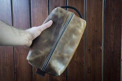 Popov LARGE Leather Dopp Bag - Driftwood w/ Brown Handle