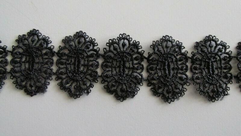 Cameo Lace - Black