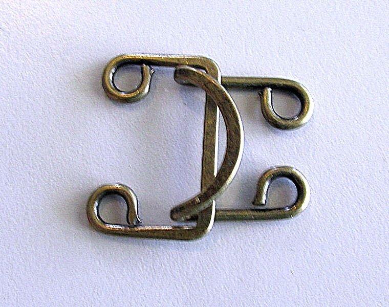 Lg Hook & Eye - bronze