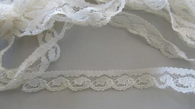 Cream Scallop Wave Lace
