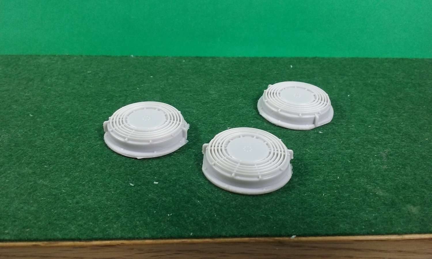 """O Scale Detail Part - EMD 48"""" Domed Fans (Qty 3)"""