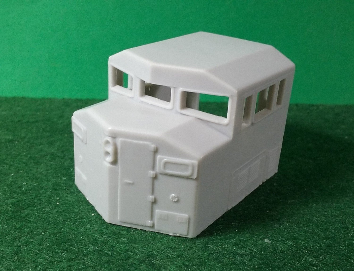 HO Scale Parts - SD60 3 window cab