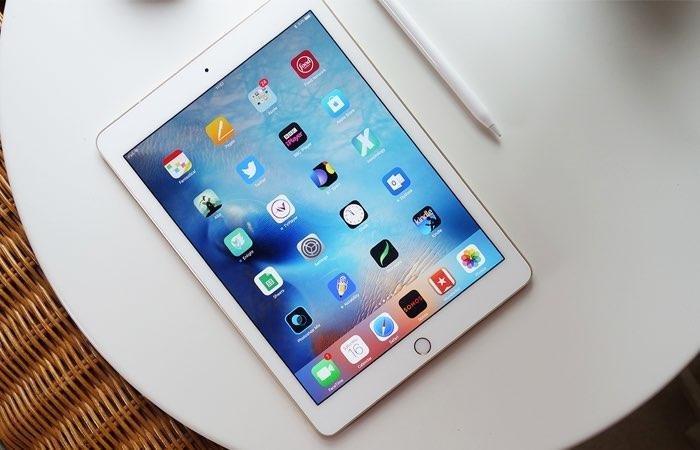 iPad 2018 WiFi + LTE