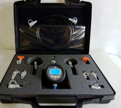 Digital Pressure Gauge Test Kit 0 -700Bar / 10,000Psi Includes Adapters