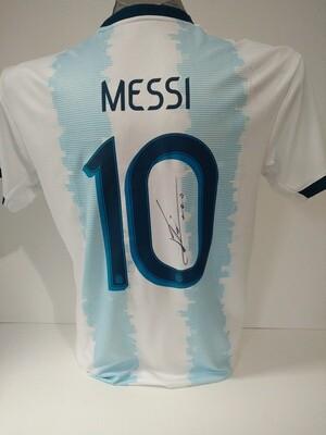 Maglia ARGENTINA LEO MESSI Autografata  LEO MESSI  ARGENTINA  Signed wich COA certificate LEO MESSI  2019 2020 ARGENTINA