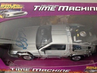 Michael Fox Autografata Ritorno al Futuro + Michael j fox signed back to the future signed Delorean 1:24 scale diecast car.