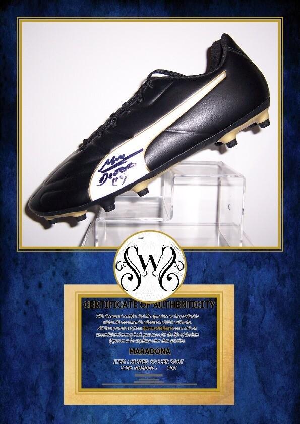 Scarpa Autografata Diego Armando Maradona  Signed Diego Armando Maradona Pibe D Oro with COA certificate