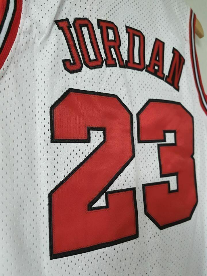 CHICAGO BULLS MAGLIA JERSEY JORDAN 23 BASKETBALL NBA