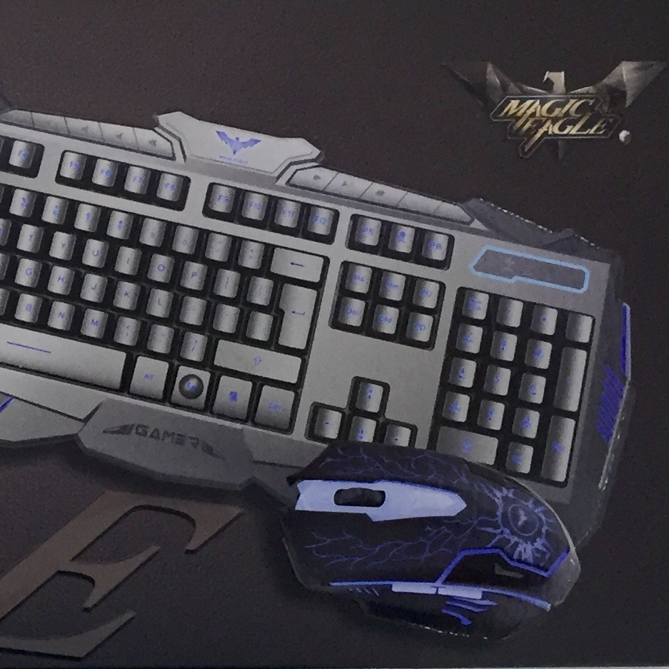 Magic Eagle backlighting gamer KB550CM