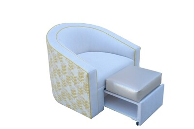 Curved Swivel Chair with Footrest