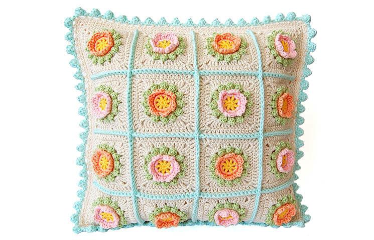 CROCHET PATTERN: Flowery  Cushion