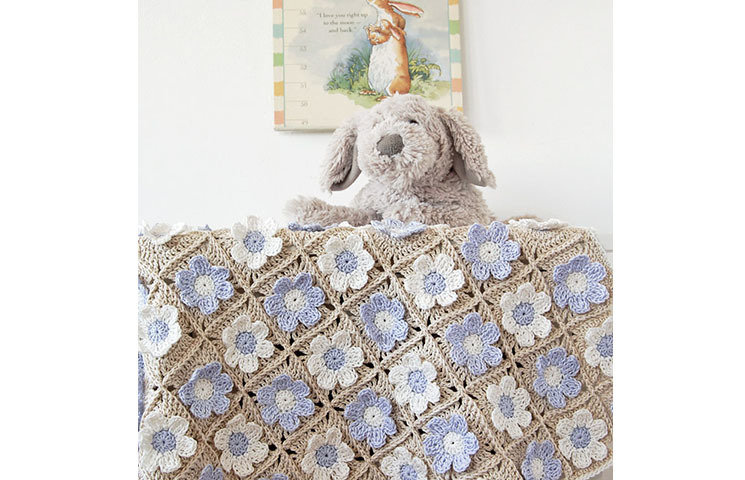 CROCHET PATTERN: Guess How Much I Love You Baby Blanket 00006