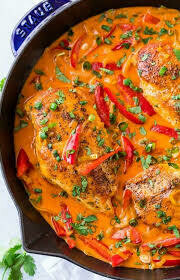 RED THAI CHICKEN CURRY (gf), marinated strips of Glin valley chicken bound in a rich coconut and red Thai spiced sauce served with fragrant basmati rice and crisp poppadum (2)