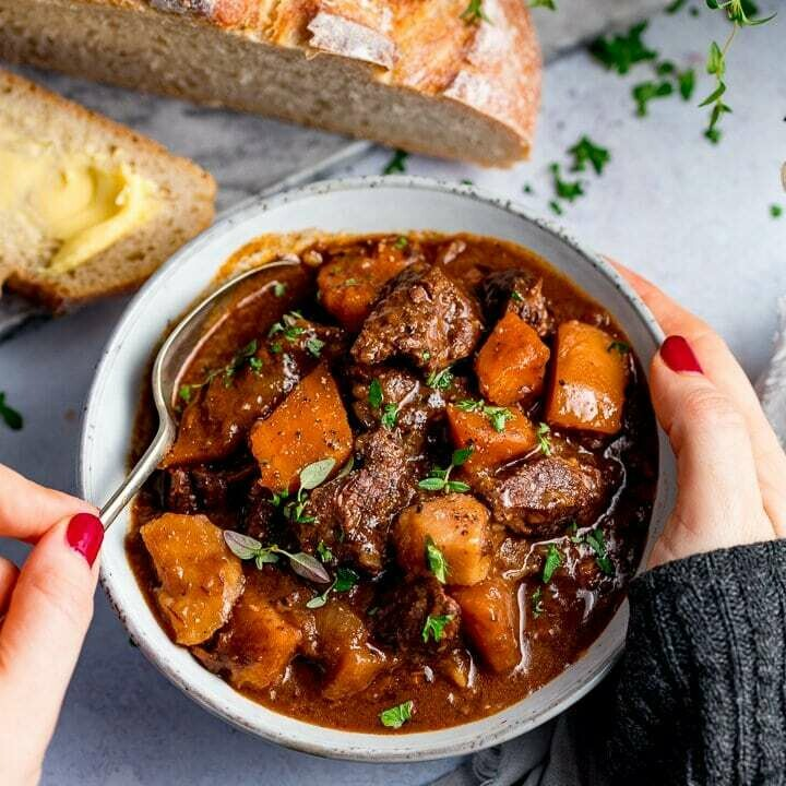BEEF CASSEROLE Irish Angus beef slow braised in Guinness, root vegetables, served with creamed potato (1,3,13)