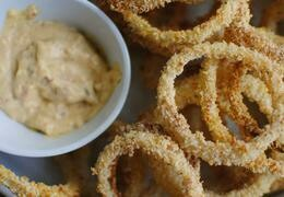 Cajun spiced onion rings