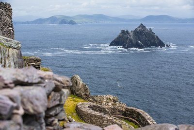 KILLARNEY - DINGLE PENINSULA & SLEA HEAD DAY TOUR - $99.00