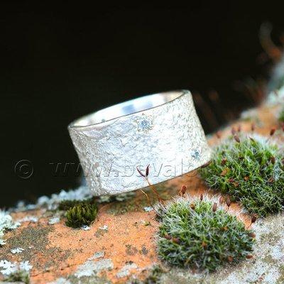 Ring in massief zilver met 5 briljantjes zirkonium - Ralf De Burchgrave (België) - Maat57