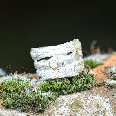 Ring in massief zilver 'ajouré' met 1 briljant zirkonium in goud - Ralf De Burchgrave (België) - Maat55