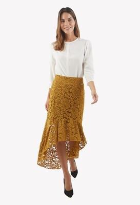 Falda asimétrica con encaje color mostaza